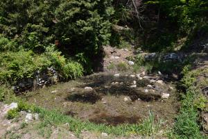 小谷城・馬洗い池