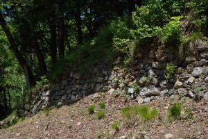 小谷城・本丸の石垣