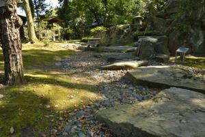 慶雲館・玄関前庭