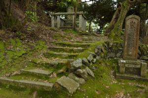 大崎寺・本堂への階段