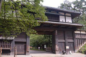 弘前城・追手門