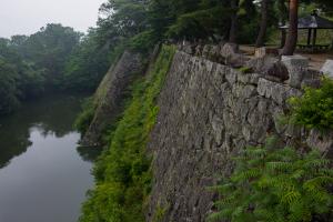 伊賀上野城・内堀の石垣