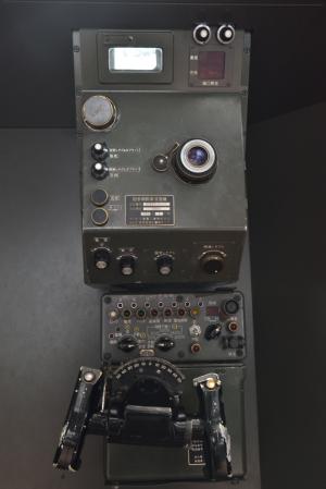 自衛隊広報センター・砲手用照準潜望鏡
