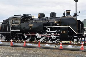 津山駅・C11形蒸気機関車