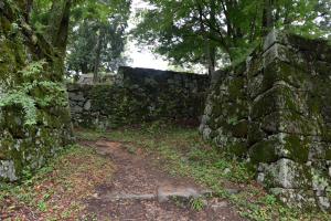 高取城・本丸の虎口