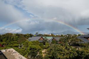 二条城・本丸から見た虹