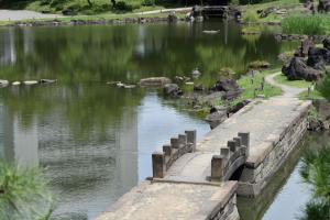 旧芝離宮恩賜公園・西湖の堤