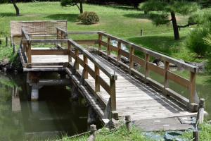 旧芝離宮恩賜公園・中島の木橋