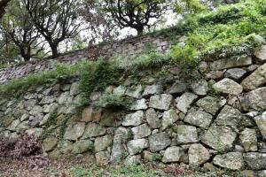 明石城・本丸西の石垣