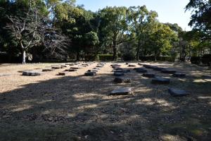 広島城・復元された礎石跡