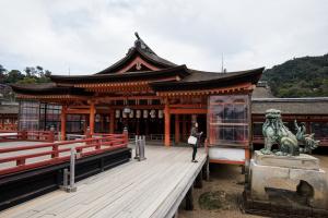厳島神社・本社祓殿