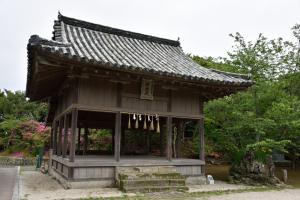 亀岡神社・神楽殿