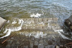 象の鼻防波堤・昔の石積み