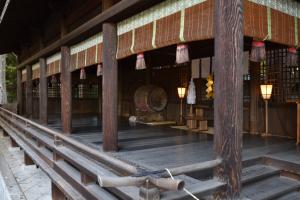 諏訪大社・下社秋宮・左片拝殿