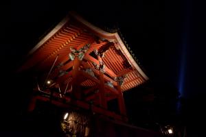 清水寺ライトアップ・鐘楼