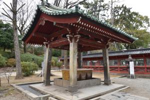 根津神社・手水舎